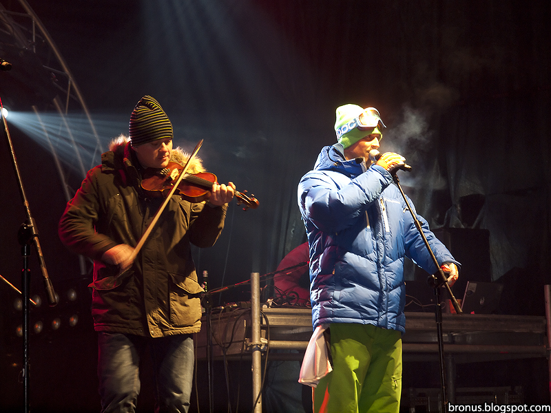 Koncert Staszka Karpiela-Bułecki i zespołu Future Folk.